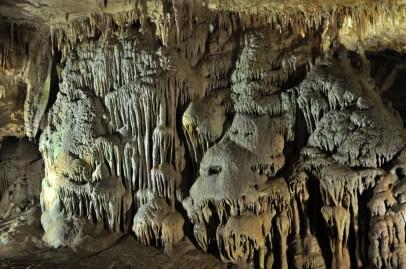 Jaskinia Prometeusza. Na początku jest dość standardowo...