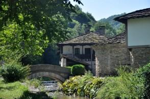 Mieszkańcy chcieli zachować zanikającą bułgarską kulturę, rzemiosło i zwyczaje.