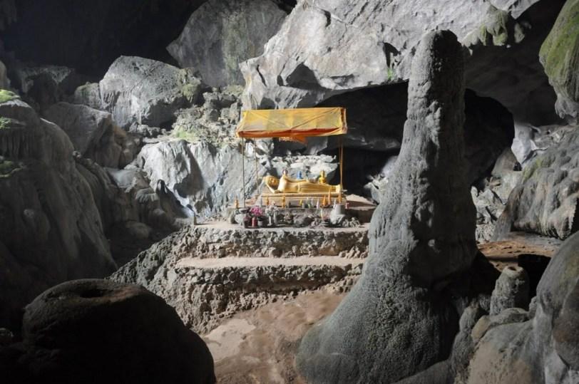 W każdej jaskini obowiązkowo Budda.