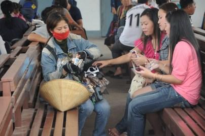 Przedstawiciel handlowy na dworcu w Vientiane :)