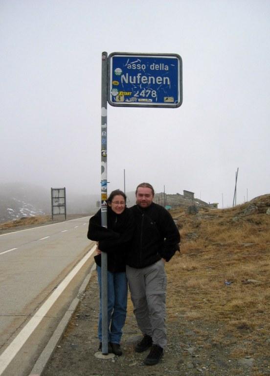 Passo della Nufenen (2478).