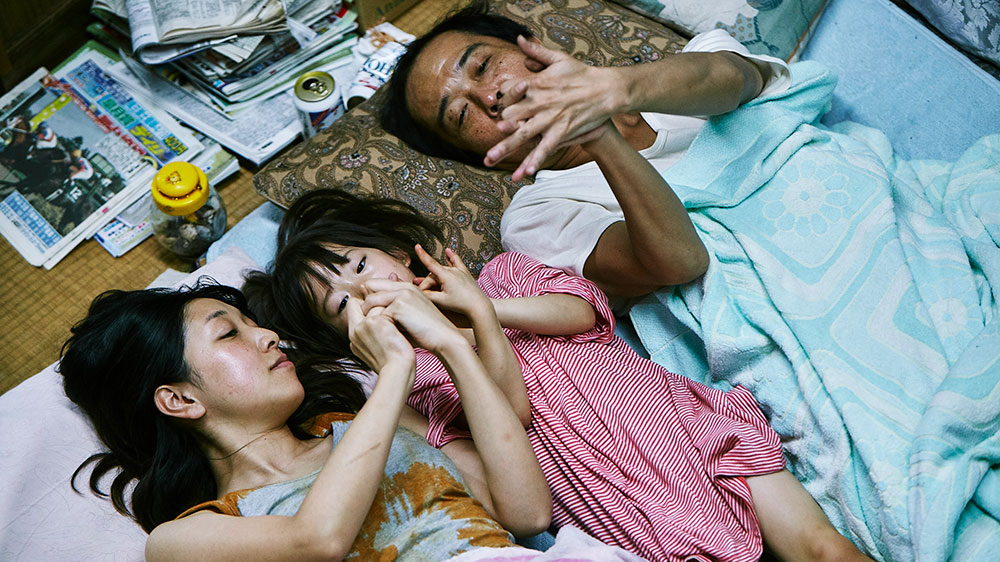 shoplifters movie review