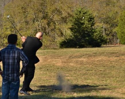 Golf, a groom and no more balls :(