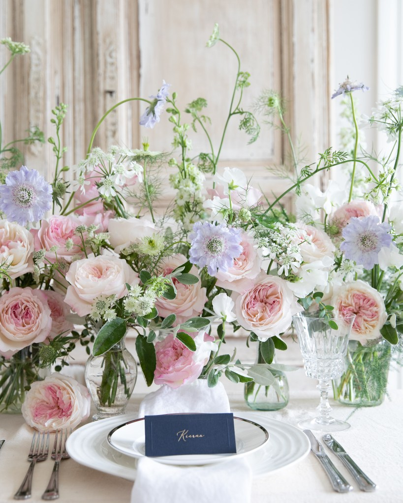 Table design with Keira rose