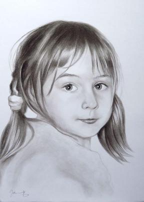 Mädchen Portrait Zeichnung Kohlezeichnung
