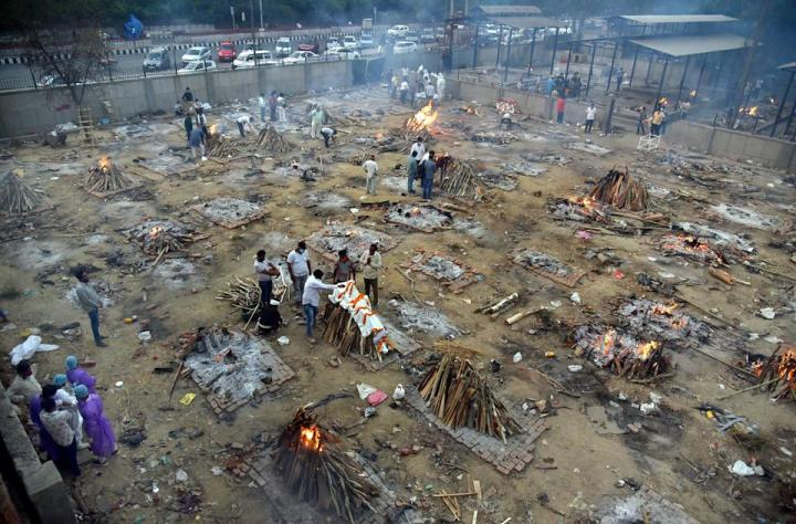 Covid-ravaged India Hard Put to Cope with the Crisis