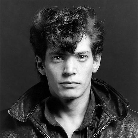 robert_mapplethorpe_self-portrait_1980