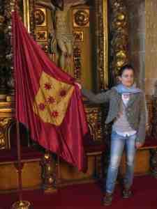 Rosi mit Flagge