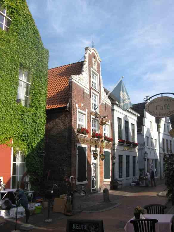 Old streets of Leer