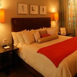 Room at the Glenn Hotel