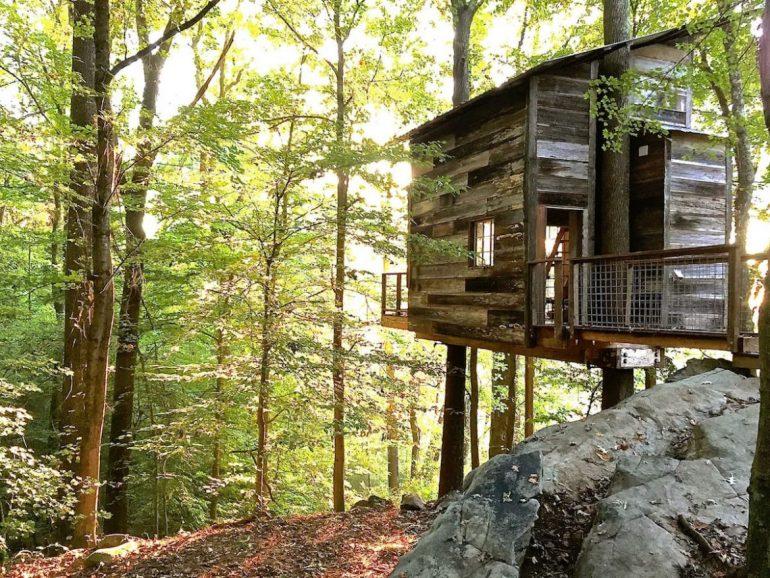 Luna Loft at Treetop Hideaways