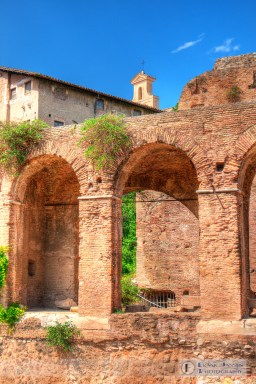 Looking through and over the Basilica of Maxentius