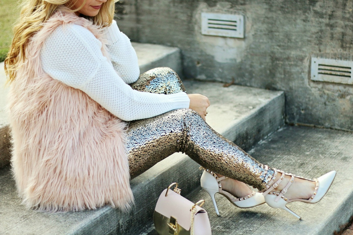 gold sequin leggings outfit
