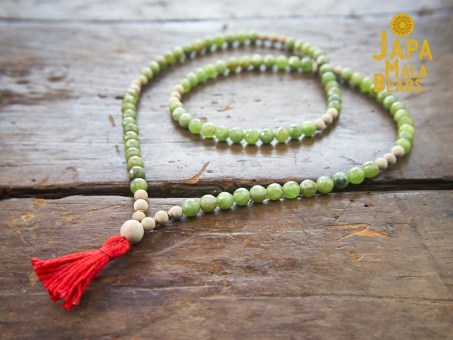 Green Garnet and Silkwood Full Mala