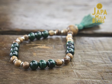 Malachite and Qinan Sandalwood Wrist Mala