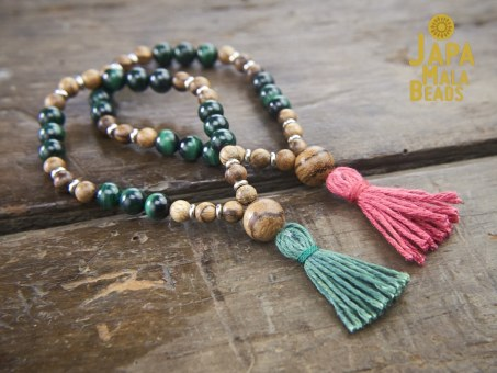 Malachite and Qinan Sandalwood Wrist Malas