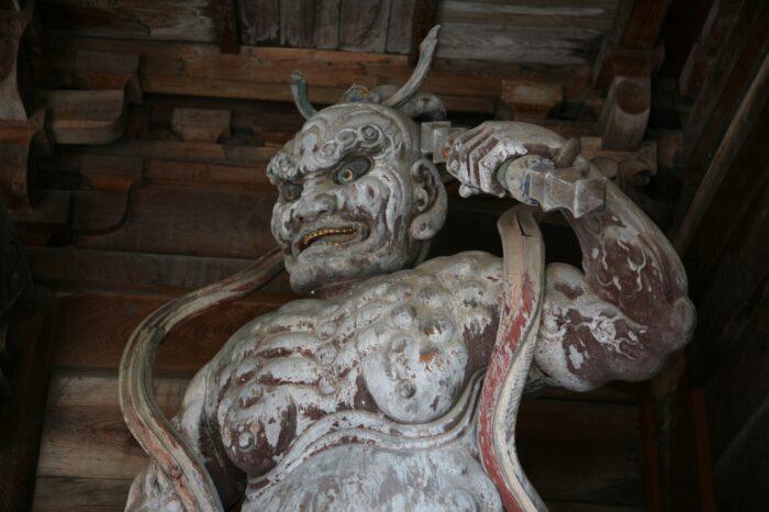 松倉山馬頭観音の仁王像