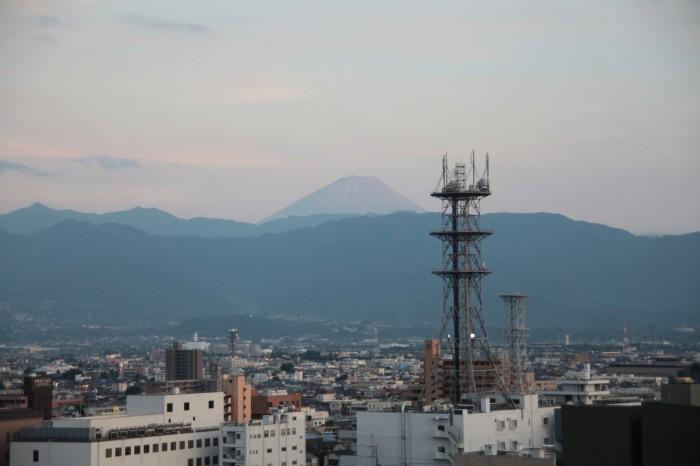 甲府城から見る富士山