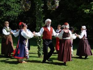 スウェーデンダンス