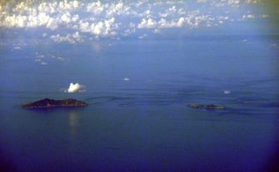 800px-20100915尖閣諸島魚釣島北小島南小島
