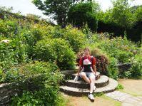 V rožnem parku.