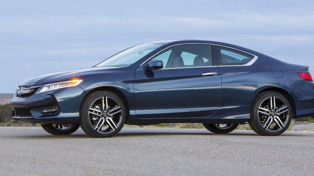 2019 Honda Accord Coupe side