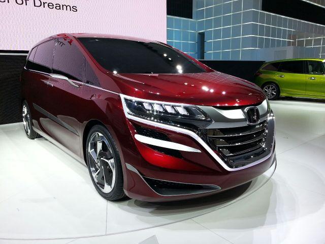 2020 Honda Odyssey front