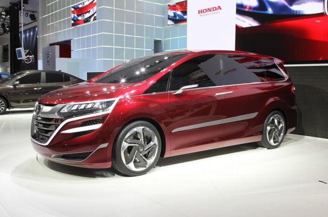 2020 Honda Odyssey side