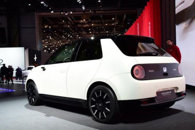 2020 Honda E rear
