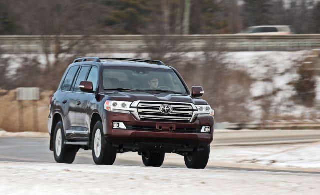 2020 Toyota Land Cruiser 300 front