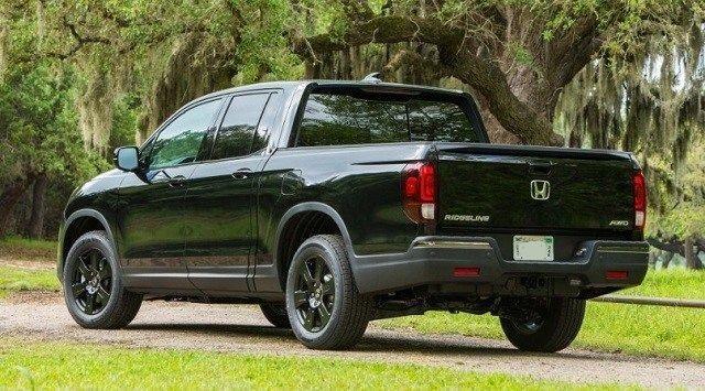 2020 Honda Ridgeline Black Edition rear