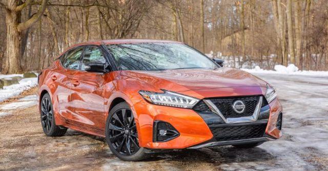 2020 Nissan Maxima front