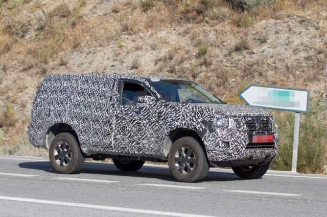 2021 Nissan Pathfinder side