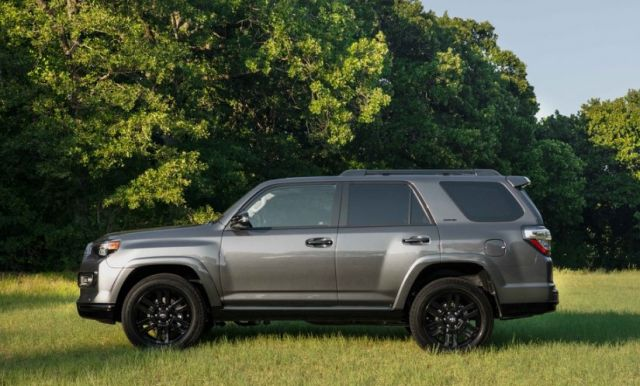 2021 Toyota 4Runner side