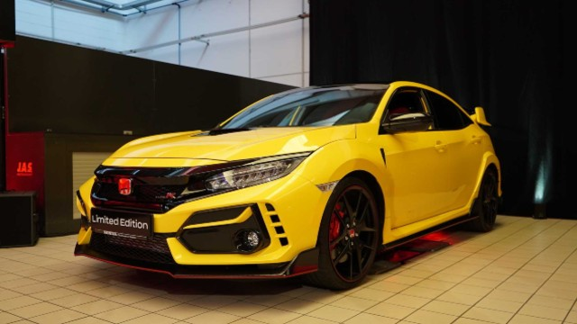 2021 honda civic typer limited gets further updates