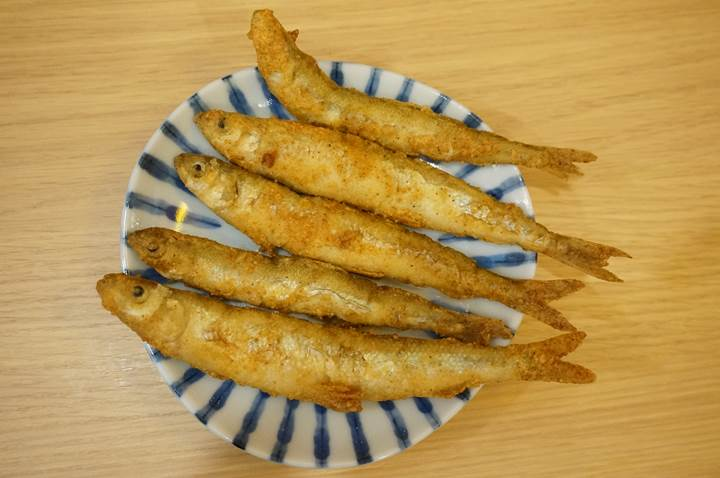 Banpaiya 晩杯屋 Deep fried smelt わかさぎの唐揚げ