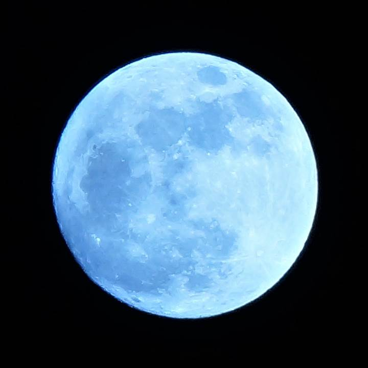 Moon 月
