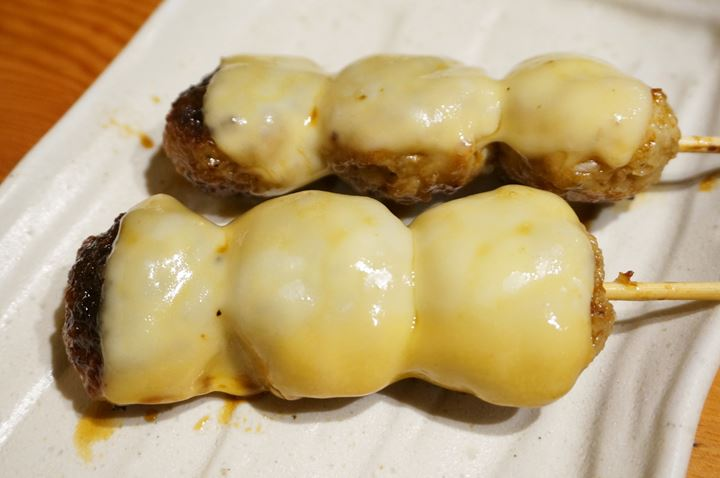 Torikizoku 鳥貴族 Chicken Meatballs with Cheese つくねチーズ焼