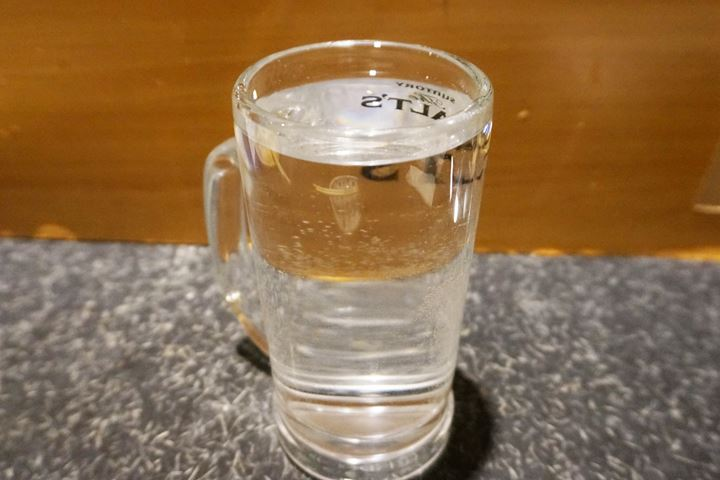 Shochu KUROKIRISHIMA with Hot Water 黒霧島お湯割り - YAKITORIDON Komagome