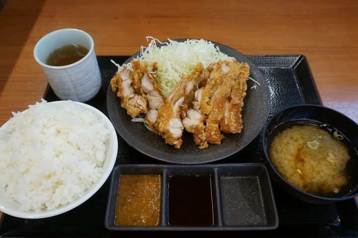 Deef Fried Chicken Set Meal からあげ定食 - 唐揚げ Deep fried chicken KARAYAMA からあげ からやま