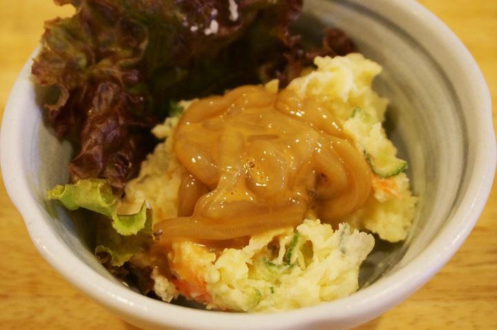 ポテトサラダ Potato Salad, イカの塩辛 Salt-fermented Squid - 大衆酒場 かぶら屋 Izakaya Bar KABURAYA