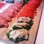 寿司ミル貝とサーモンとトロ