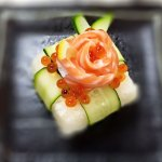 サーモン薔薇の白いボックス寿司