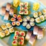 巻き寿司とバッテラ