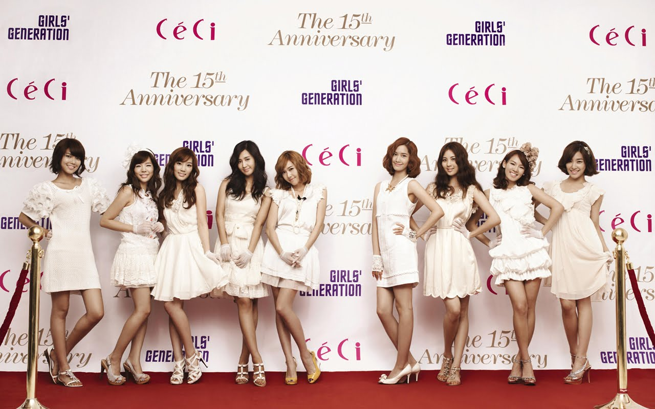 Girls' Generation Hits Up Paris