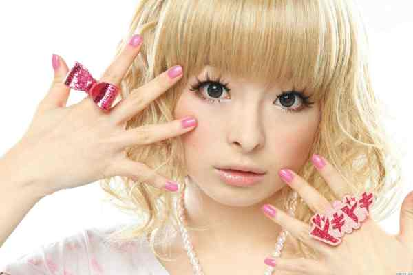 Realistic drawing of Kyary Pamyu Pamyu