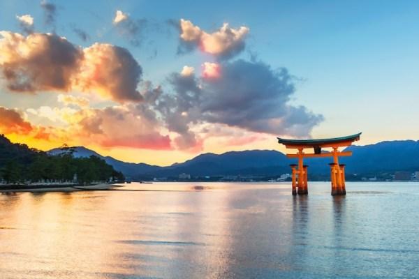Video Diary – The Torii & Miyajima Island