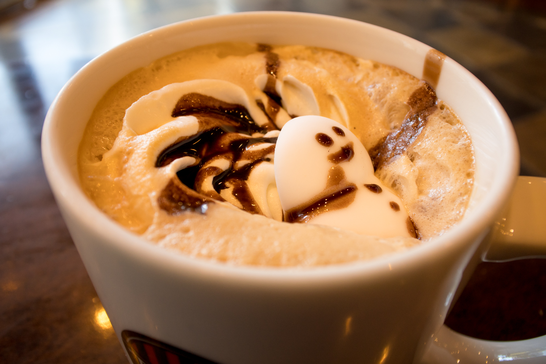 Tully's Coffee Snowman Latte
