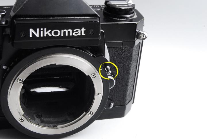 カメラ側の爪