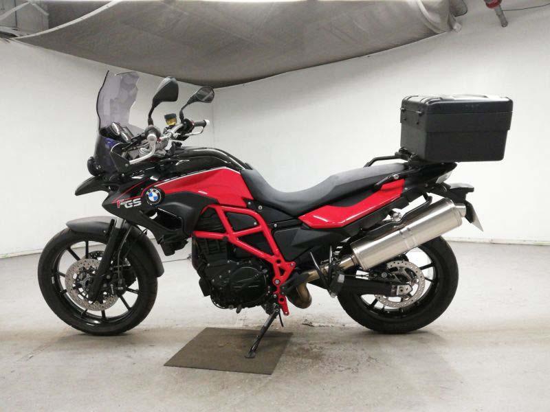 bmw-bike-f700gs-blackred-70312365462-2